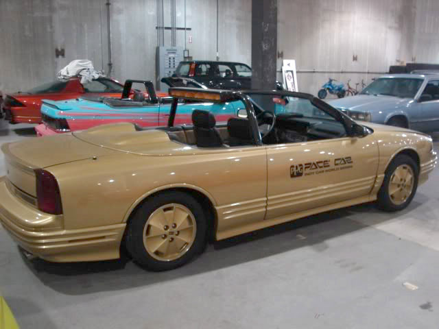 Oldsmobile Cutlass 1988 Gold PPG Pace Car