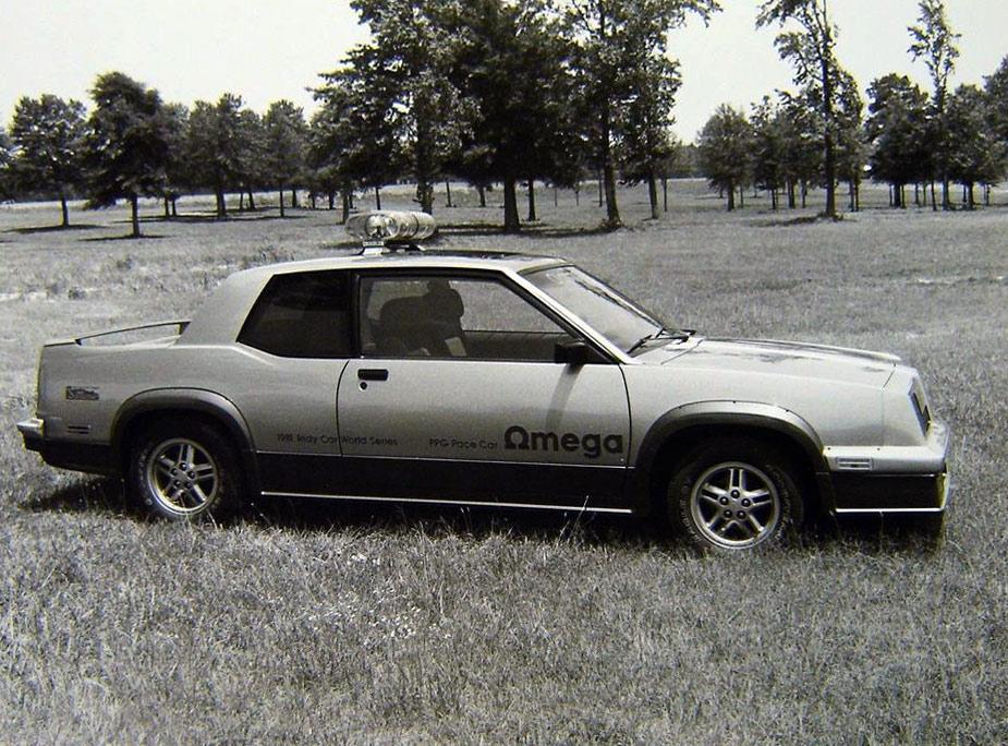 Oldsmobile-Omega-1981-ppg-pace-car