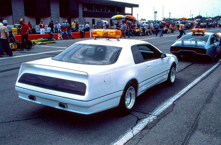 Ford-Thunderbird-1983-PPG-Pace-Car-rear-track